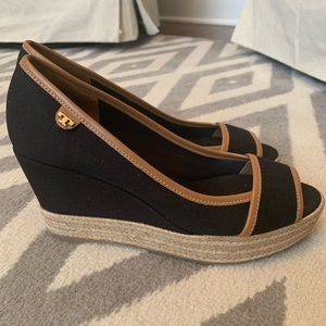 Tory Burch Majorca Peep-Toe Canvas Wedge Black/Tan